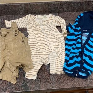 3 baby gap outfits